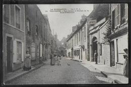 CPA 50 - Valognes, Rue Carnot Et Portail De La Sous-Préfecture - Valognes