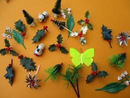 Vrac De Figurines De Bûches De Noël/ Sapin , Houx , Bonhomme De Neige/  Plastique/ Années 80 - 90         JE201 - Figurines