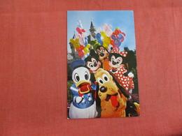 Disneyland Mickey & His Friends   Ref 2989 - Disneyland