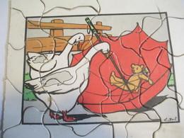 Puzzle Ancien / 24 Piéces/ Oies Parapluie Et Nounours / DOT/ Vers 1930 -1950       JE215 - Puzzles