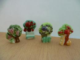 Lot De 4 Feves **  Vigne , Pommier ,prunier, Cerisier ** Arbre Fruitier , Fruit: Raisin,pomme,prune,cerise - Charms