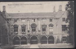 Cambridgeshire Postcard - Magdalene College (The Pepysian Library), Cambridge DC1628 - Cambridge