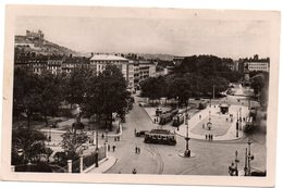Tarjeta Postal De Lyon . Place Carnot Et Colline De Fourviere. Circulada. - Lyon