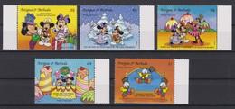2104 Walt Disney Antigua & Barbuda ( CHRISTMAS DRAWINGS OF PRODUCTIONS OF WALT DISNEY ) - Disney