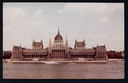 Hungría. Budapest *Parliament* Foto: Inkey Tibor. Medidas: 102 X 161 Mms. Circulada 1973. - Hungría