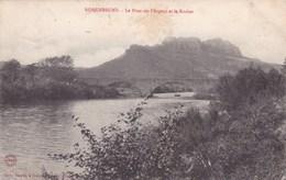 ROQUEBRUNE LE PONT SUR L'ARGENS ET LE ROCHER (dil372) - Roquebrune-sur-Argens