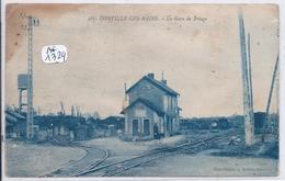 DONVILLE-LES-BAINS- LA GARE DE TRIAGE-  RARE- ROUSSISSURE HAUT GAUCHE - France