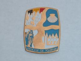 Pin's DIOCESE DE TOURNAI A - Associations