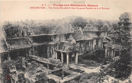 ¤¤  -  CAMBODGE   -   ANGKOR-VAT  -  Vue D'ensemble Prise Du Haut Du Grand Escalier  -  Voyage Aux Monuments Khmers - Cambodia
