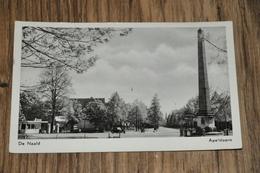 262- Apeldoorn, De Naald En Esso Benzinepomp - Apeldoorn