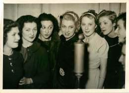 140618 - PHOTO DE PRESSE 1937 PIN UP Candidates Au Titre De MISS EXPOSITION 1937 - Pin-ups