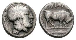 12 LUCANIA, Thuorioi. Dióbolo. 425-400 A.C. A/ Athena Con Casco A Derecha. R/ Toro En Marcha A Derecha Sobre Este QOURIW - Spain