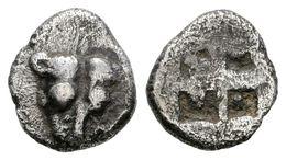 15 PANTIKAPAION, Bosporos. Obolo. 480-470 A.C. A/ Cabeza De León De Frente. R/ Cuatripartito Incuso. SNG BM Black Sea 83 - Spain