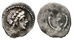 59 DIVISORES IBERICOS INCIERTOS. Hemióbolo. Siglo III A.C. A/ Cabeza De Apolo, Laureada A Derecha. R/ Creciente Con Punt - Spain