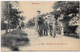 CPA éléphant ELEPHANT Non Circulé Annam Hué Asie - Éléphants