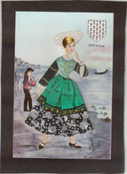 CP29 - Folklore Breton - Robe En Tissu Et En Relief - CPM écrite. - Bretagne