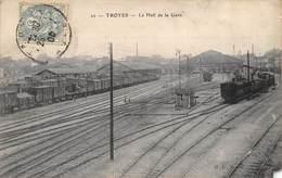 CPA 10 TROYES LE HALL DE LA GARE - Troyes