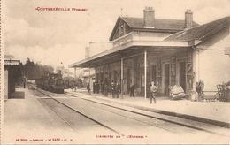 """88  Vosges  :  Contrexéville    L'arrivée De """" L' Express """"     Réf 4404 - Autres Communes"""