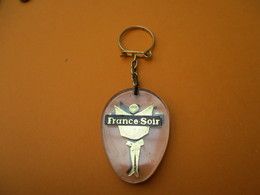 Porte-clés Publicitaire/ Presse/Journal/FRANCE SOIR/Plexyglass /Vers 1960-70                   POC300 - Key-rings