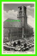 BERLIN, GERMANY -  SCHONEBERGER RATHAUS AM RUDOLF-WILDE-PLATZ - ANIMATED -  TRAVEL IN 1950 -  GES,M.B.H. & CO - - Allemagne