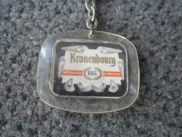 1 PORTE CLEFS BIERE KRONENBOURG 1664 @ Vers 1965 - Porte-clefs