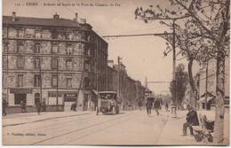 REIMS  AVENUE DE LAON ET LE PONT DU CHEMIN DE FER - Reims
