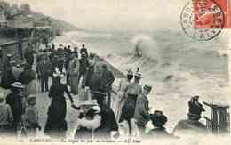25  Ce Serait VILLIERS-SUR-MER Et Non CABOURG - La Digue Un Jour De Tempête (date 1909) - Cabourg