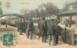 """CPA FRANCE 75010 """"Paris, Canal Saint Martin"""" / TOUT PARIS - Arrondissement: 10"""