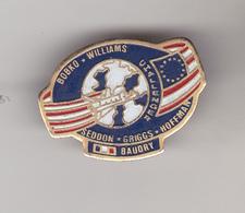 Pin's Sur La Mission  Challenger Américaine Avec Patrick Baudry - Space