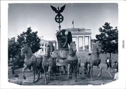 Ansichtskarte Mitte-Berlin Die Quadriga Auf Dem Pariser Platz 1958/1999  - Brandenburger Tor