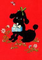 CPA Chien Caniche Noir En Velours Sur Fond Rouge Avec Un Cadeau Dans La Gueule Signée Au Dos - Dogs