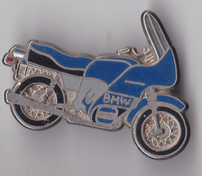 PIN'S THEME MOTO  BMW VERSION BLEUE  SIGNE BALLARD  2 ACCROCHES - Motorbikes