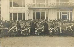 D-18-505 : DEAUVILLE. GROUPE DE SOLDAT. GERBES. HOPITAL TEMPORAIRE ROYAL-HOTEL 6 NOVEMBRE 1915. CARTE-PHOTO. - Deauville