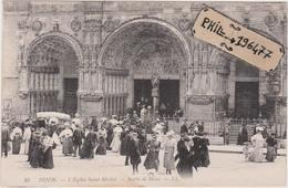 21 Dijon - Cpa / L'Eglise Saint-Michel - Sortie De Messe. - Dijon