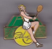 Pin's MARYLINE TRIPLE MOULES N° 252 SIGNE BALLARD BRAS ARTICULE - Pin-ups