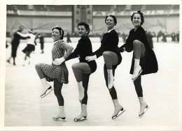 160618 - PHOTO DE PRESSE 1937 SPORT Patinage Palais Des Sports BOSSOUTROT VAUDECRANE SCWEICK CLERICETTI DIOT - Sport