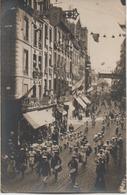 CAEN  CARTE PHOTO   FETES DE LA VICTOIRE  DEFILE DES SOCIETES RUE ST JEAN   LE 13 SEPTEMBRE 1919 - Caen