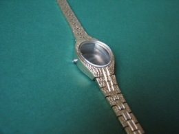 Vintage Woman Wristwatch Band With Case Unused XX Century - Watches: Old