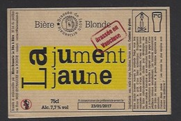 Etiquette De Bière Blonde  -  La Jument Jaune  -  Micro  Brasserie La Bête à Bière  à Entraigues Sur La Sorgue  (84) - Bière