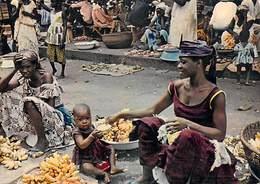 Afrique-CÔTE D'IVOIRE ABIDJAN Marchande De Bananes (bébé) ( - Editions  HOA-QUI 3282) *PRIX FIXE - Côte-d'Ivoire