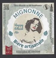Etiquette De Bière Blanche  -  Mignonne   -  Brasserie De Trévarn  à  Saint Urbain  (29)  -  Thème Femme - Birra