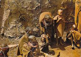 Afrique > KENYA Femmes Et Enfants Masai Devant Leur Hutte  (- Editions : East Africa 1326 ) *PRIX FIXE - Kenya