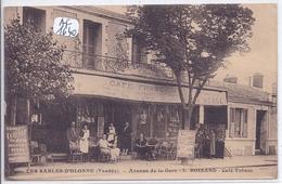 LES SABLES-D OLONNE- LE CAFE FRANCAIS- MAISON BOISARD- BELLE DEVANTURE ANIMEE SUR L AVENUE DE LA GARE- - Sables D'Olonne