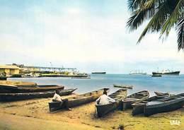 Afrique > GABON PORT-GENTIL Vue Sur Le Port (pirogues) (photo CHARETON N°6977) *PRIX FIXE - Gabon