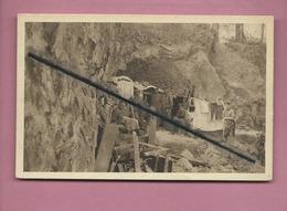 CPA  - Combles - Sommeschlacht 1916, Unterstände Im Steinbruch Von Combles -(militaire,soldat) - Combles