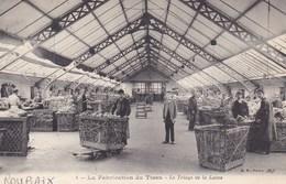 CPA, Roubaix, La Fabrication Du Tissu, Le Triage De La Laine (pk47384) - Roubaix