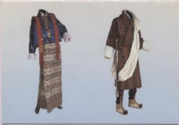 CPM - MUSEE ETHNOGRAPHIQUE NEUCHATEL - ROYAUME Du BHOUTAN - Tenue Feminine KIRA Et Masculine G0 - Edition Expo Daoulas - Belle-Arti