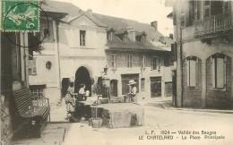 73 LE CHATELARD. Femmes à La Fontaine Sur La Place Principale Dans La Vallée Des Bauges 1914 - Le Chatelard