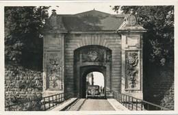 54) LONGWY : Porte De France - Citroën Traction Avant - Longwy