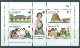 NEW ZEALAND - MNH/** - 1974 - NEW ZEALAND DAY - Yv Bloc 36  - Lot 17126 - Blocks & Sheetlets